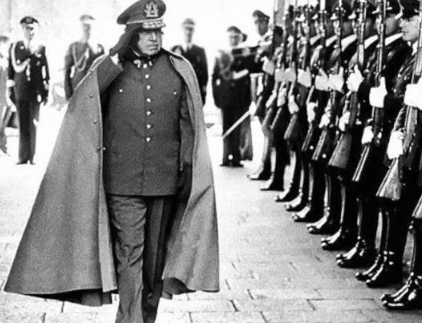 """Militares faziam parte da """"Caravana da Morte"""", comitiva militar comandada pelo general Sergio Arellano Stark, conhecido como """"delegado pessoal"""" de Pinochet,e que assassinou 100 presos políticos"""
