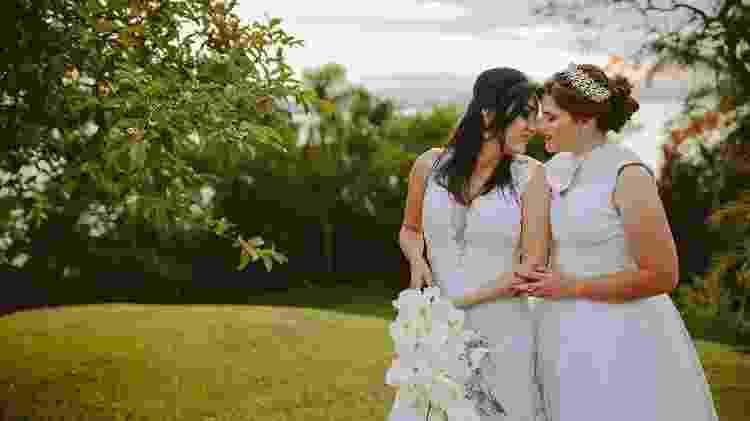 A cerimônia de casamento de Adrieli e Anelise Shons; elas tiveram que contratar um advogada para defender o casamento - Rodrigo Santos/Divulgaçaõ - Rodrigo Santos/Divulgaçaõ