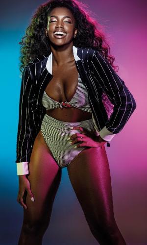 """A cantora Iza é a estrela da capa da revista Women's Health do mês de agosto. A estrela da música revelou que nem sempre gostou do que via no espelho. """"Fui me desconstruindo e me dando tempo para evoluir, ver meu corpo mudar. Tive que ter paciência comigo mesma"""", conta ela, que buscou forças internas para se amar."""