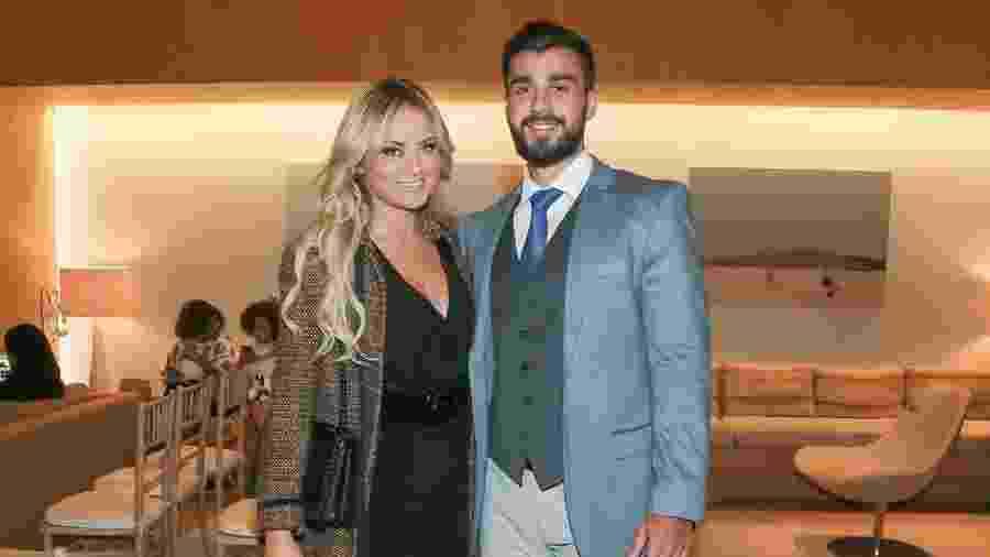 Ellen Rocche e o namorado Rogério Oliveira - Manuela Scarpa/Brazil News