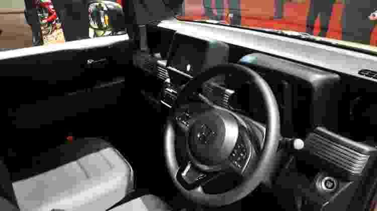 Interior tem peças de outros modelos da Honda - Vitor Matsubara/UOL