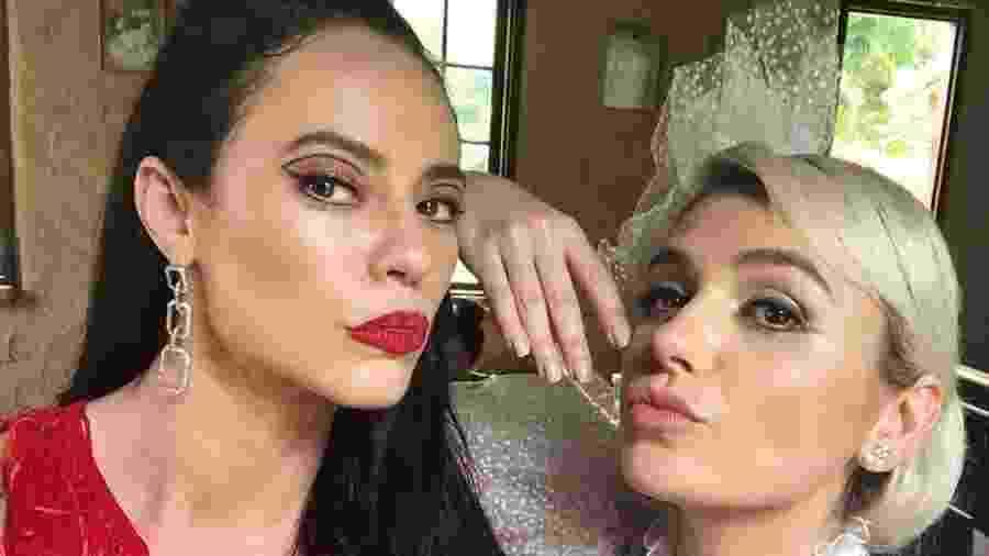 """Paolla Oliveira e Mônica Iozzi nos bastidores de """"A Dona do Pedaço"""" - Reprodução/ Instagram"""
