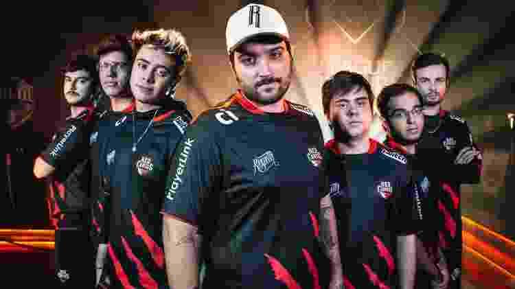 O atirador brTT à frente da RED Canids, em 2017 - Divulgação/Riot Games