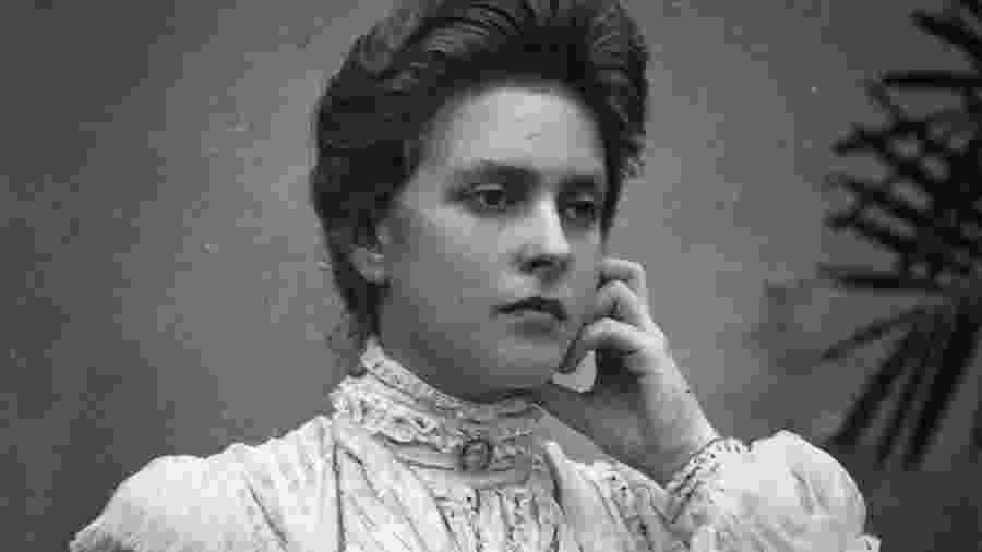 A princesa Alice de Battenberg nasceu na presença de sua bisavó, rainha Vitória da Inglaterra, no castelo de Windsor em 1885 - Getty Images via BBC