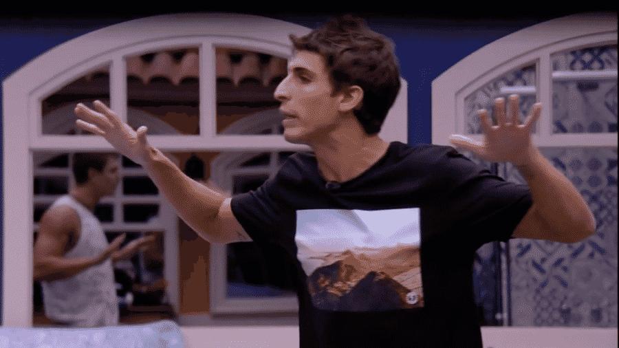 Felipe Prior conversa com Lucas após jogo da discórdia e detona brothers - Reprodução/GlbooPlay
