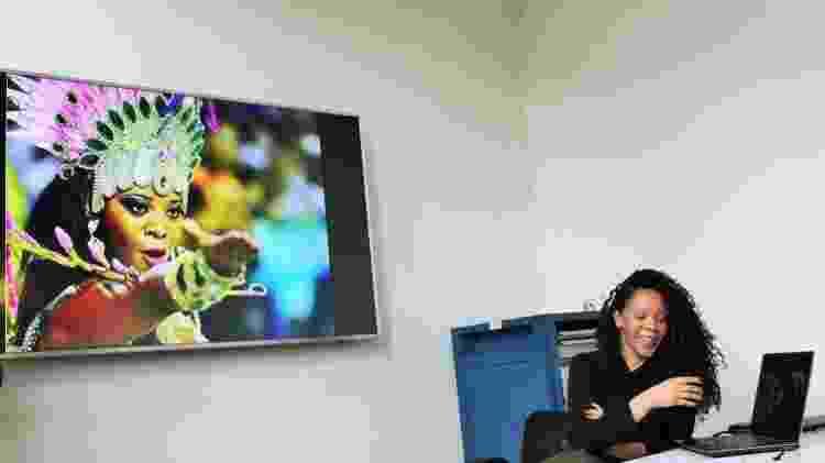 A passista Rafaela Bastos em uma aula que deu no Conselho de Intercâmbio Educacional Internacional - Divulgação/CIEE