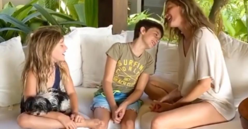Gisele Bündchen com os filhos Benjamin e Vivian