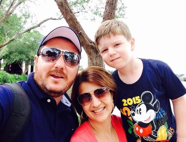 Carlos e a família durante as férias de 2015, quando ele ficou sem a medicação - Arquivo pessoal