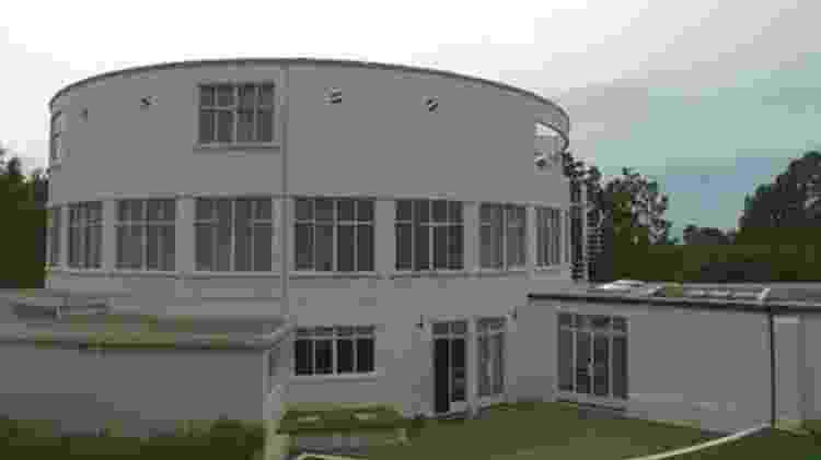 Projetada por Tunnard, casa foi desenhada pelo arquiteto Raymond McGrath - BBC - BBC