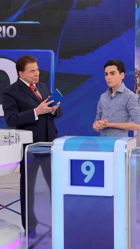 """Silvio Santos e Dudu Camargo no """"Programa Silvio Santos"""" - Lourival Ribeiro/SBT"""