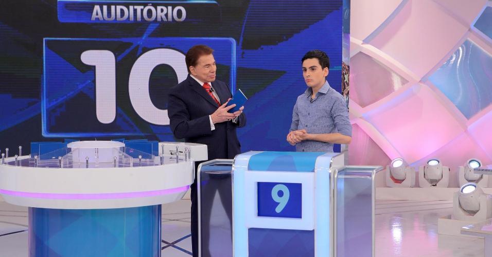 Silvio Santos recebe Dudu Camargo no programa que irá ao ar neste domingo (27), no SBT