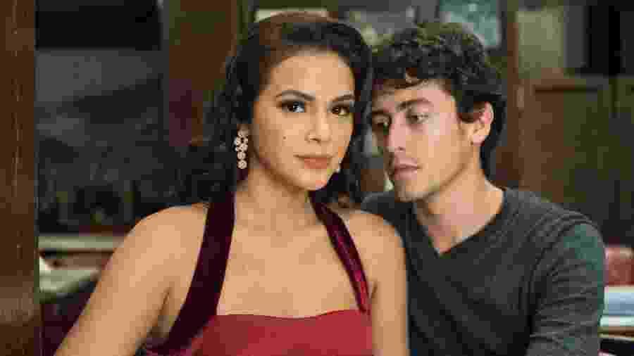 """Beatriz (Bruna Marquezine) e Davi (Jesuíta Barbosa) em """"Nada Será Como Antes"""" - Estevam Avellar/TV Globo"""
