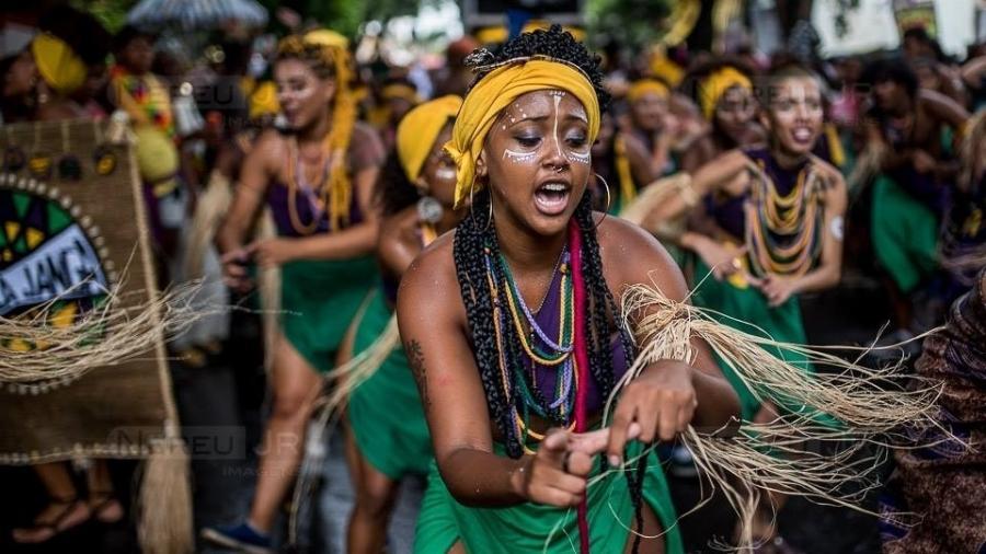 """O bloco """"Angola Janga"""" resgata a cultura africana no Carnaval de BH - Nereu Jr./UOL"""