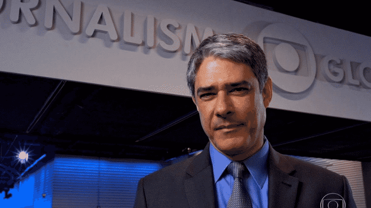 """William Bonner no novo cenário do """"Jornal Nacional"""" - Reprodução/TV Globo - Reprodução/TV Globo"""