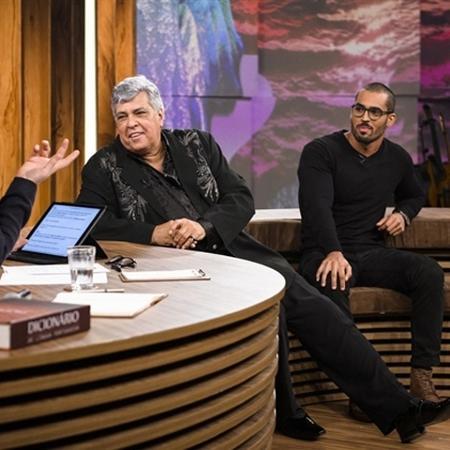 """Sidney Magal e Rodrigo West Magalhães no """"Conversa com Bial"""" - Divulgação/Rede Globo"""