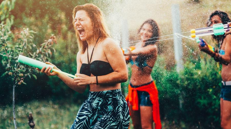É normal as amizades mudarem ao longo da vida - Getty Images