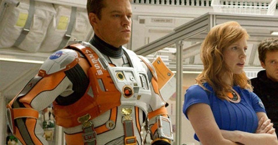"""Matt Damon e Jessica Chastain em cena em """"Perdido em Marte"""" (2015)"""