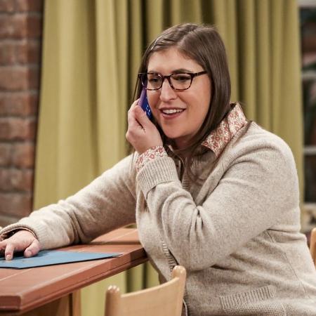 """Mayim Bialik em cena na série """"The Big Bang Theory"""" - Divulgação"""