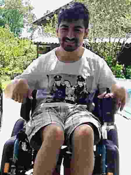 O estudante André Nunes Nachtigall, que tem paralisia cerebral: veículo adaptado bancado por youtuber não foi entregue por empresa - Imagem/Arquivo pessoal
