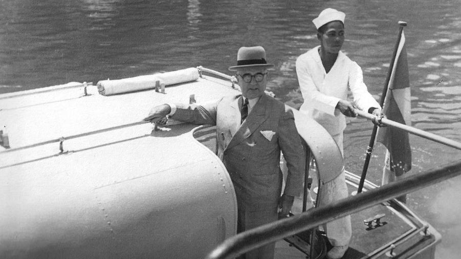 Getúlio Vargas em março de 1940, na inauguração de base de submarinos destinada aos nazistas - Divulgação