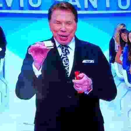 """Silvio Santos anuncia """"caça"""" a caixinha de fósforos de Jassa, seu cabeleireiro - Reprodução/SBT - Reprodução/SBT"""