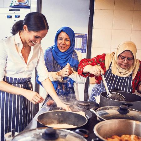 Meghan, a duquesa de Sussex, iniciou seu primeiro projeto beneficente em uma cozinha comunitária de Londres - Reprodução/Instagram