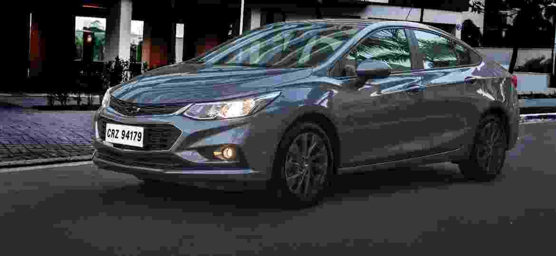 Chevrolet Cruze Black Bow Tie - Divulgação