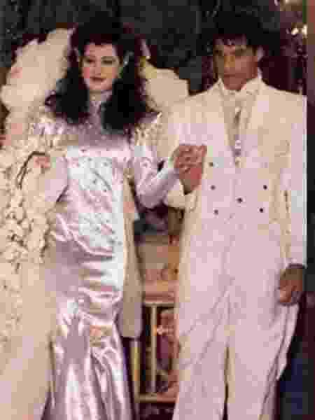 Claudia Raia e Alexandre Frota se casaram há 32 anos na Candelária - Montagem/UOL - Montagem/UOL