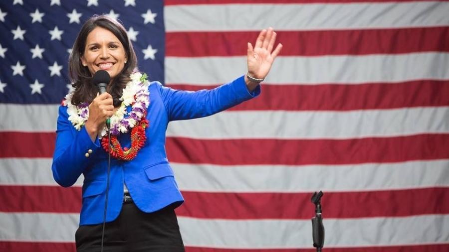 """""""Aloha!"""" é como a Tulsi Gabbard costuma começar seus discursos. Ela é candidata pelo Partido Democrata - Arquivo Pessoal"""