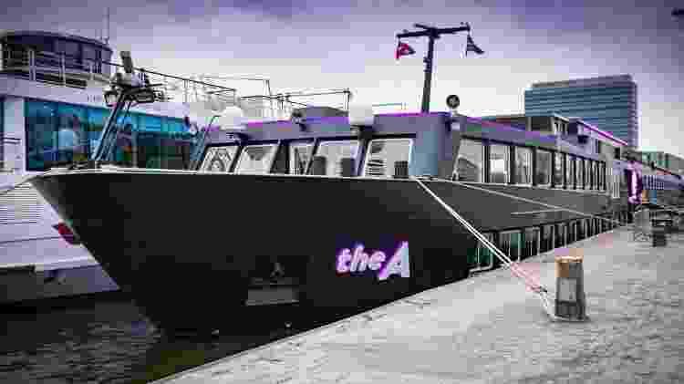 Palco para o cruzeiro U in Drag, o navio The A tem jeitão de balada flutuante - Divulgação/U River Cruises  - Divulgação/U River Cruises