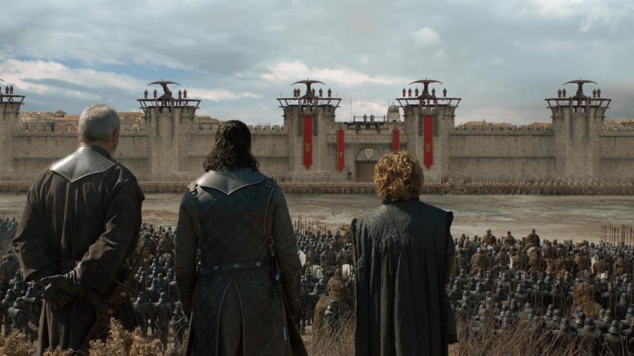 "Davos Seaworth (Liam Cunningham), Jon Snow (Kit Harington) e Tyrion Lannister (Peter Dinklage) em cena de ""Game of Thrones"" - Divulgação/HBO"