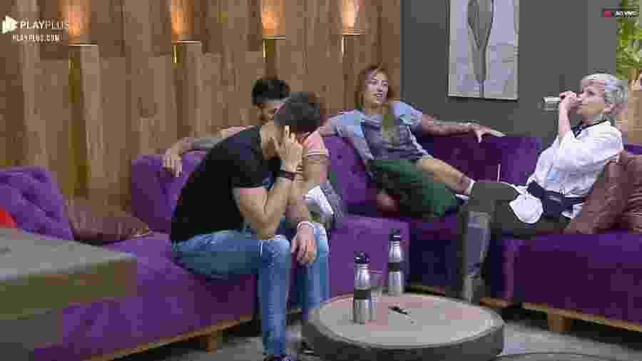Bifão conversa com Andréa sobre vitória de Viny - Reprodução/PlayPlus
