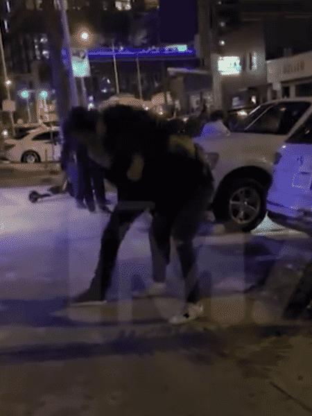 Jared Padalecki briga em bar e é ajudado por amigo nos EUA - Reprodução/TMZ