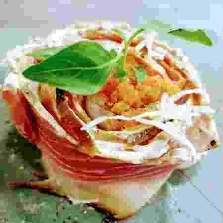 Carpaccio com bacon de pirarucu - Divulgação - Divulgação