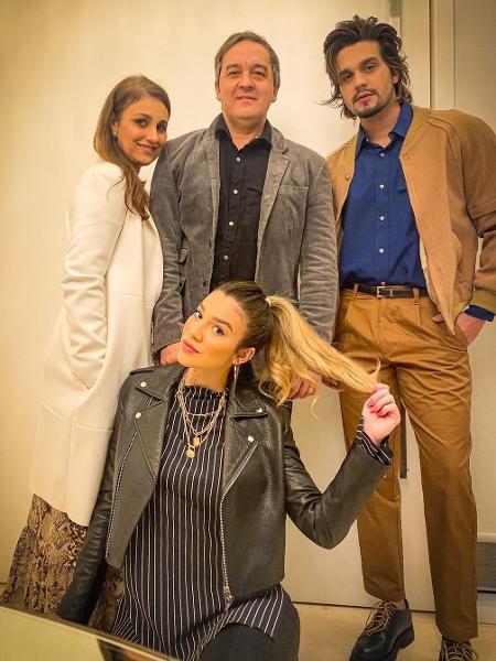 Luan Santana ao lado da família - Reprodução/Instagram