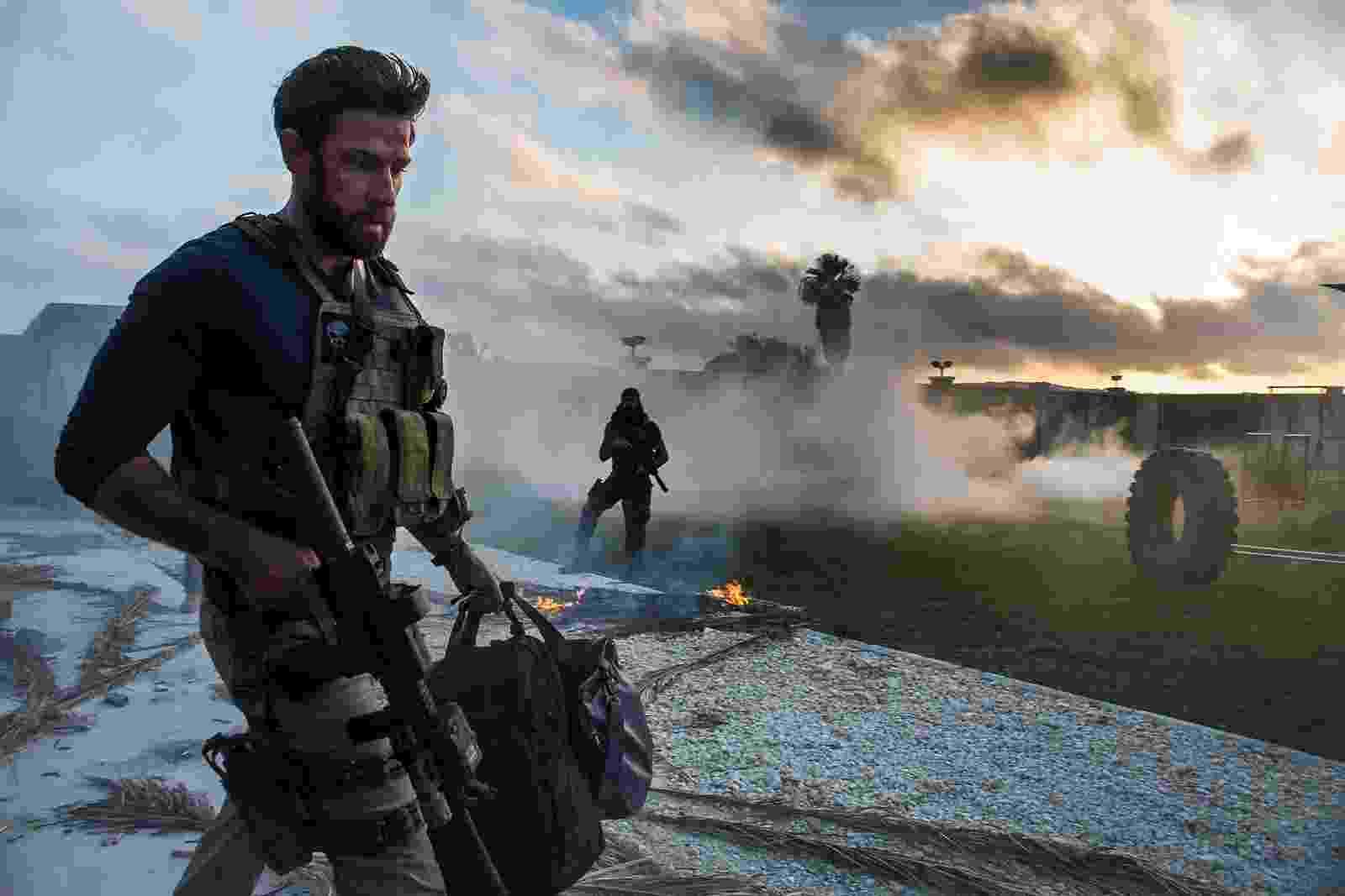 """Cena de """"13 Horas: Os Soldados Secretos de Benghazi"""" - Divulgação"""