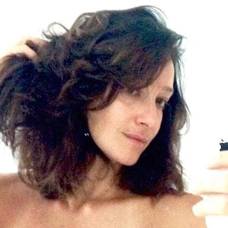 Sabrina Parlatore comemora crescimento dos cabelos um ano após quimioterapia - Reprodução/Instagram/sabrinaparlaoficial