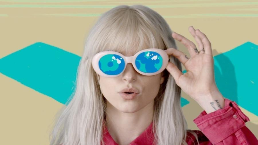 """Paramore lança clipe de """"Hard Times"""" - Divulgação"""