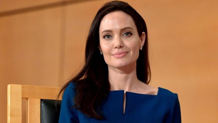 Angelina Jolie declarou que tratou a doença com acunpuntura - Getty Images