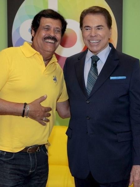 Carlinhos Aguiar ao lado de Silvio Santos em camarim do SBT - Lourival Ribeiro/SBT