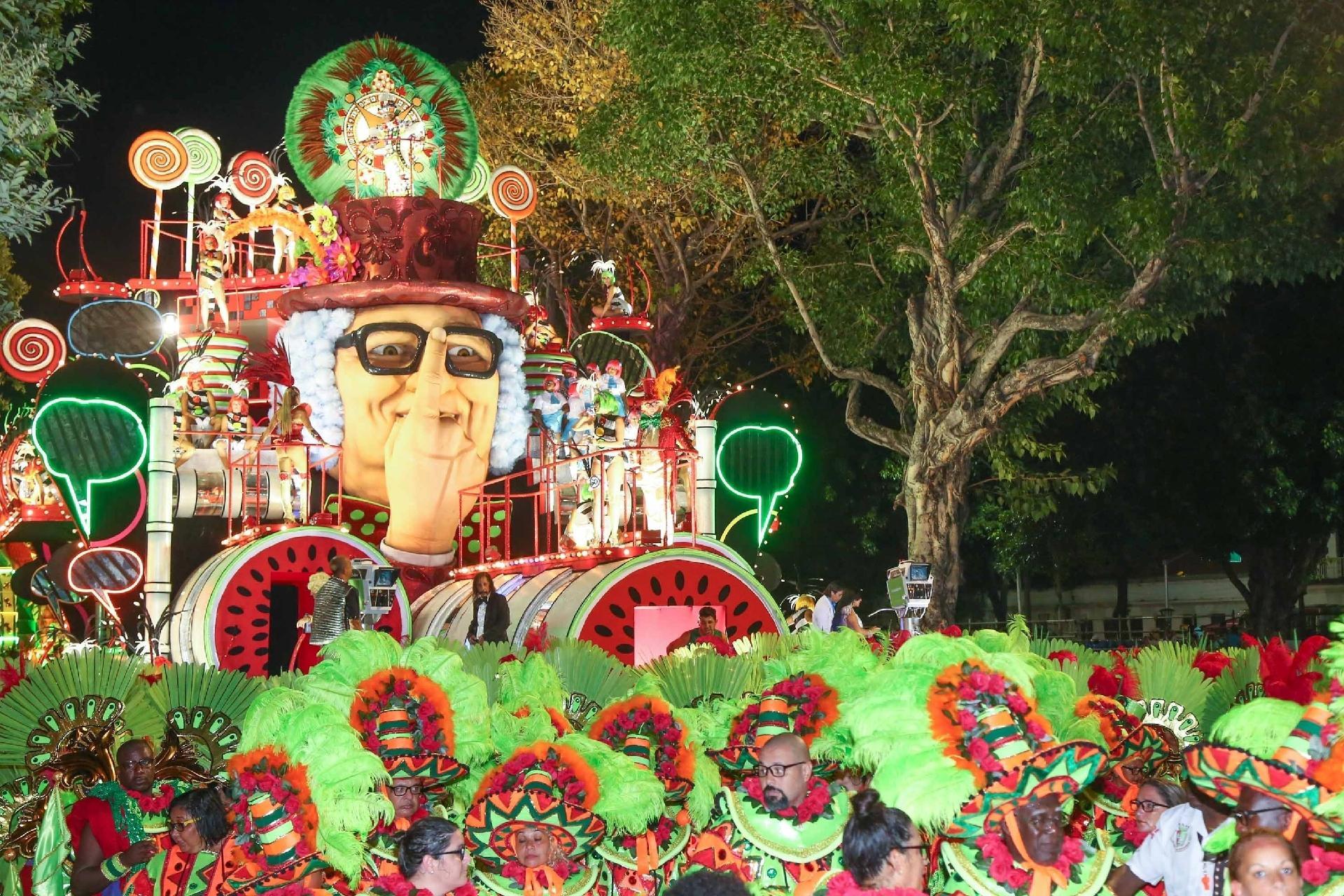 Fotos  Grande Rio - - UOL Entretenimento 5954e242c7b