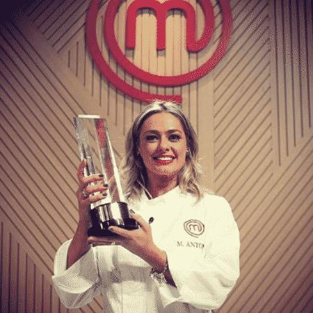"""Maria Antônia comemora vitória no """"Masterchef"""" - Reprodução/Instagram"""