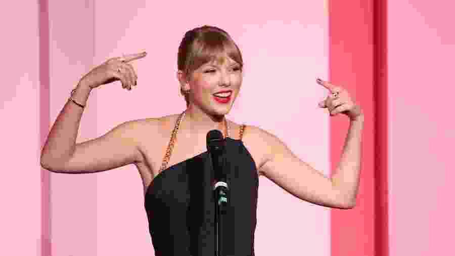Taylor Swift discursa ao receber prêmio no Billboard Women In Music 2019 - Getty Images