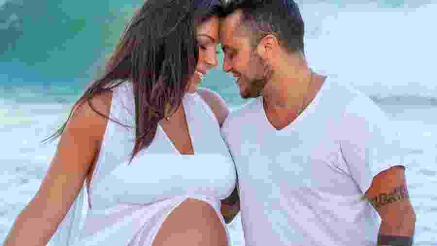 Thammy Miranda e Andressa optaram pela fertilização in vitro - Reprodução / Instagram