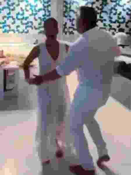 Glória Pires e Orlando Morais dançam em vídeo - REPRODUÇÃO/INSTAGRAM