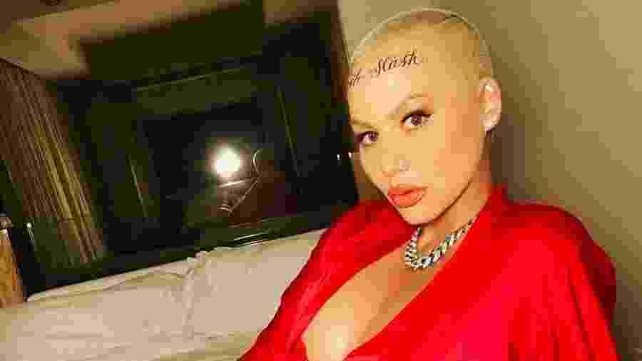 Amber Rose e sua tatuagem no rosto - Reprodução/Instagram