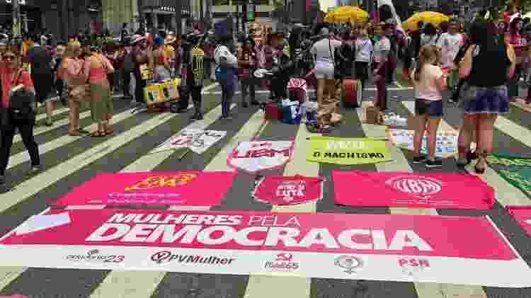 Mulheres manifestação MASP  - Camila Brandalise/UOL - Camila Brandalise/UOL