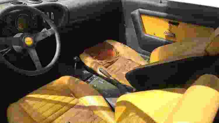 Ferrari Dino 208 GT4 Santo André pátio prefeitura bruno lazar interior - Arquivo pessoal - Arquivo pessoal