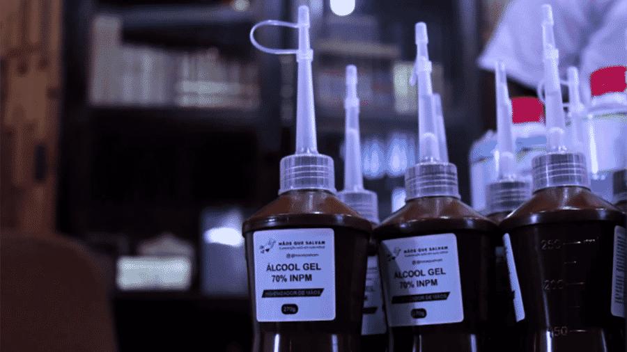 Álcool produzido no projeto Mãos que Salvam, de alunos da Universidade Federal do Acre - Caique Brasil