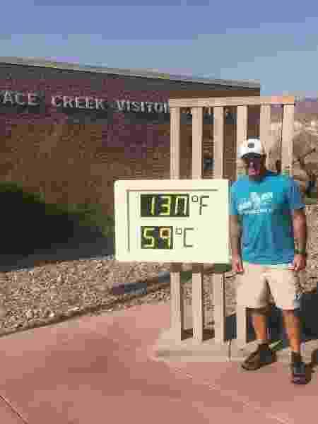 Darryl Gariglio, posa em frente a termômetro que chega a registrar 59 ºC - Darryl Gariglio - Darryl Gariglio